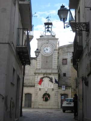 Le campanile, monument aux morts